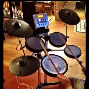 Ladies & Gentlemen ... We have drums!!! via sh...